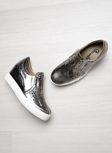 Bambi Ayakkabı Bronz
